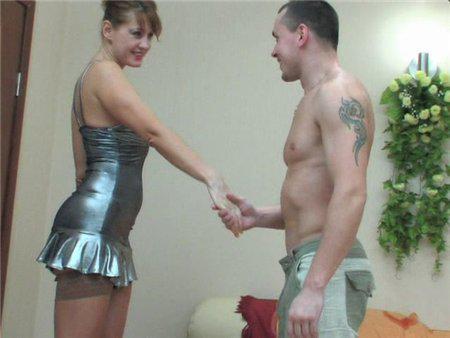 Молодой парень вызвал зрелую проститутку с классной фигурой